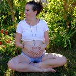 Zufriedene Schwangere